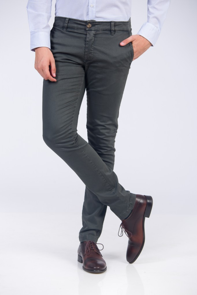 Pantaloni Slim Fit Gri